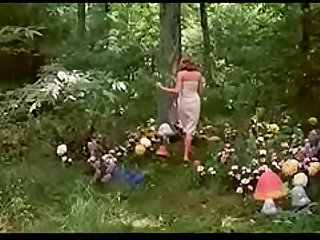 Alicia en el pais de las pornomaravillas(alice in wonderland)1976