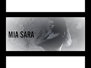 Mia Sara being seduced.